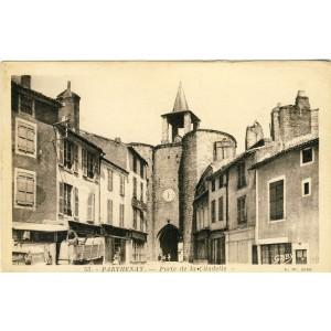 cp79-parthenay-porte-de-la-citadelle