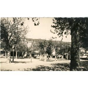 cp26-nyons-place-de-la-liberation-ancien-champ-de-mars