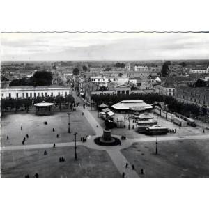 cp85-la-roche-sur-yon-place-napoleon