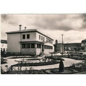 cp31-revel-la-poste-et-son-jardin
