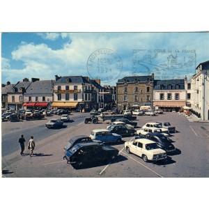 cp35-dol-de-bretagne-la-place-chateaubriand-et-ses-hotels
