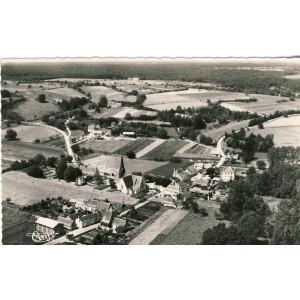 cp37-st-etienne-de-chigny-vue-generale-aerienne