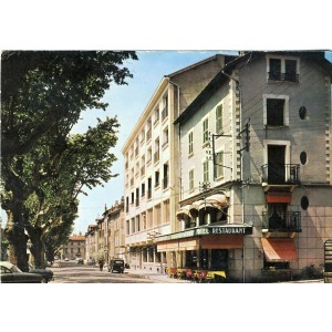cp38-st-marcellin-hotel-savoyet-serve