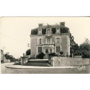 cp53-aron-poste-et-mairie