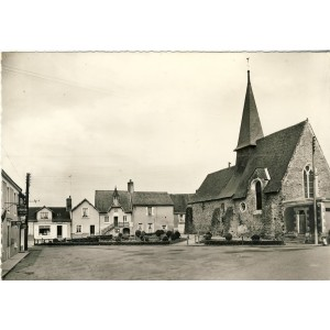 cp53-simple-la-place-de-l-eglise