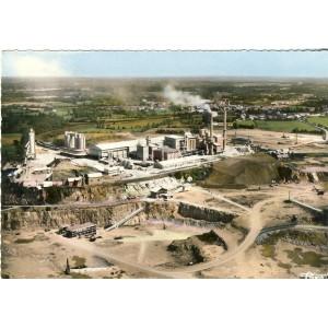 cp53-st-pierre-la-cour-l-usine-et-la-carriere