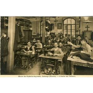 cp57-oeuvre-des-orphelins-apprentis-guenange-l-atelier-des-tailleurs