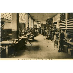 cp57-oeuvre-des-orphelins-apprentis-guenange-la-reliure