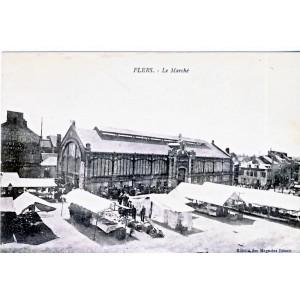 CP61 FLERS - LE MARCHE
