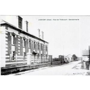 CP60 LASSIGNY - RUE DE THIECOURT - GENDARMERIE