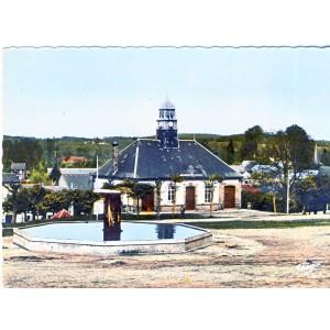 CP63 GIAT - HOTEL DE VILLE ET BASSIN DU CHAMP DE FOIRE