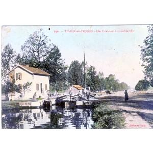 CP88 THAON LES VOSGES - UNE ECLUSE SUR LE CANAL DE L'EST