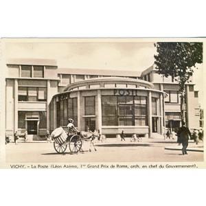 CARTE POSTALE ATTELAGE DEVANT LA POSTE DE VICHY
