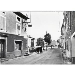 CP48 GRANDRIEU - LA GRAND' RUE