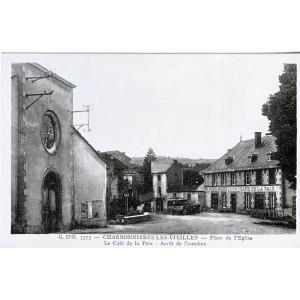 cp63-charbonnieres-les-vieilles-place-de-l-eglise