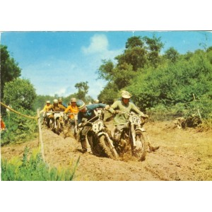 CARTE POSTALE MOTOCROSS EN GROUPE