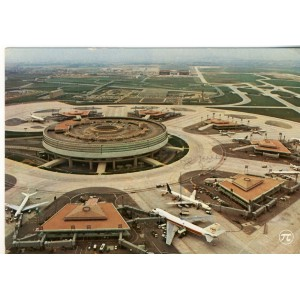 CARTE POSTALE AEROPORT DE ROISSY EN FRANCE