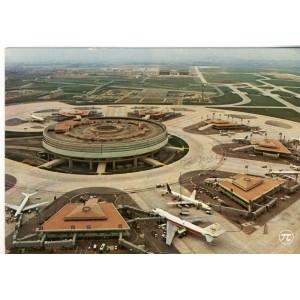 CARTE POSTALE AEROPORT DE ROISSY EN FRANCE