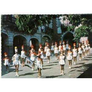 CP47 MONTFLANQUIN - SES MAJORETTES - SA BATTERIE FANFARE