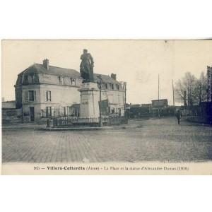 CP02 VILLERS COTTERETS - LA PLACE ET LA STATUE D'ALEXANDRE DUMAS (1918)