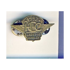 PIN'S LADIES OF HARLEY  - HOG (HARLEY OWNERS GROUP). 1992