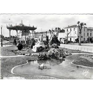 cp47-marmande-les-jardins-et-le-kiosque