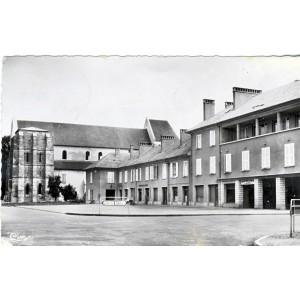 cp52-montier-en-der-la-place-du-marche-et-l-eglise