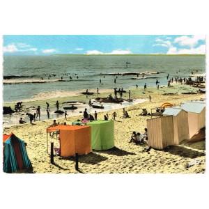 CARTE POSTALE DE LOIRE ATLANTIQUE - 44 - SAINT- BREVIN L'OCEAN -  LA PLAGE DEVANT LE CASINO