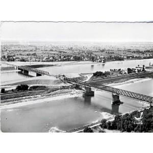 cp68-chalampe-les-deux-ponts-sur-le-rhin-et-sur-le-canal-d-alsace