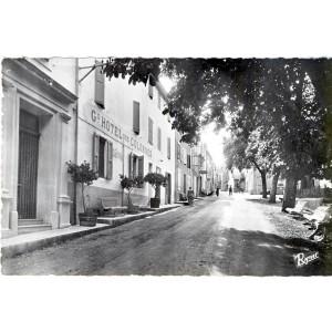 cp04-greoux-les-bains-hotel-des-colonnes