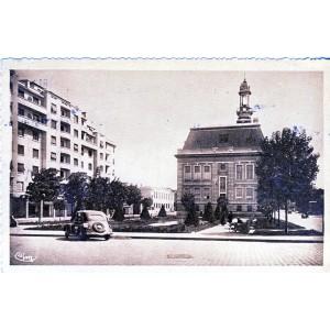 cp69-villefranche-sur-saone-le-forum-et-la-mairie