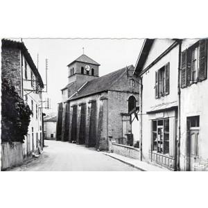 cp71-pierreclos-eglise-romane-et-la-poste