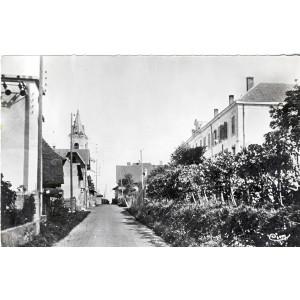 cp73-domessin-les-ecoles-rue-de-l-eglise