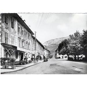 cp74-bonneville-rue-decret-et-le-reyret