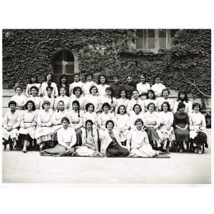 PHOTO DE CLASSE DE 1957 - CLASSE DE JEUNES FILLES : 4ème