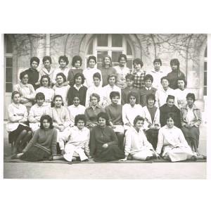 PHOTO DE CLASSE DE 1961-1962 - CLASSE DE JEUNES FILLES : φ 1