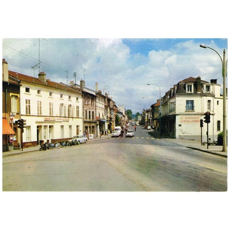 CP54 POMPEY - LA RUE DE METZ.