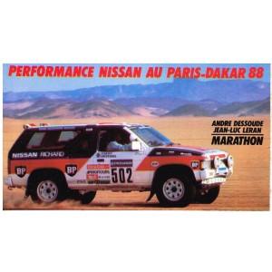 AUTOCOLLANT PERFORMANCE NISSAN AU PARIS-DAKAR 88